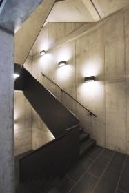 5019e1dd28ba0d0a9200003b_miura-hotel-labor-13_stairs